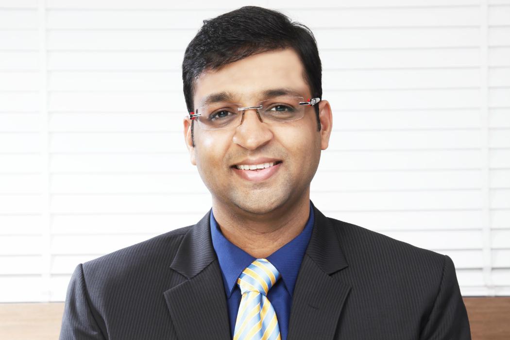 <b>Vivek Bajaj</b> PGDM(IIM), CA, CS Managing Director, Kredent EduEdge - vivekbajaj